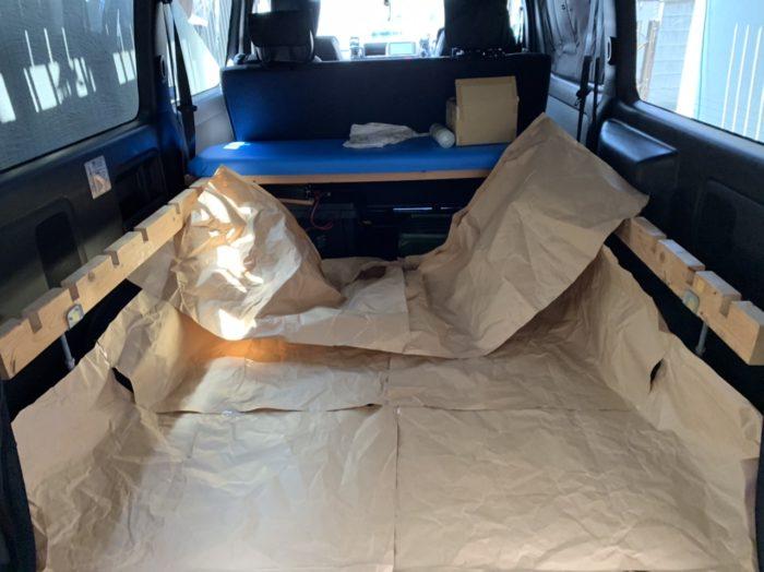 ハイエースに床をフローリングにする型紙