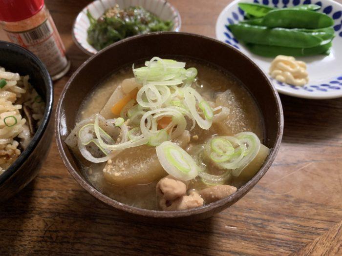 永井食堂に近いモツ煮